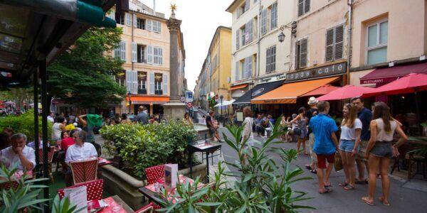 Rue pietionnière sur Aix
