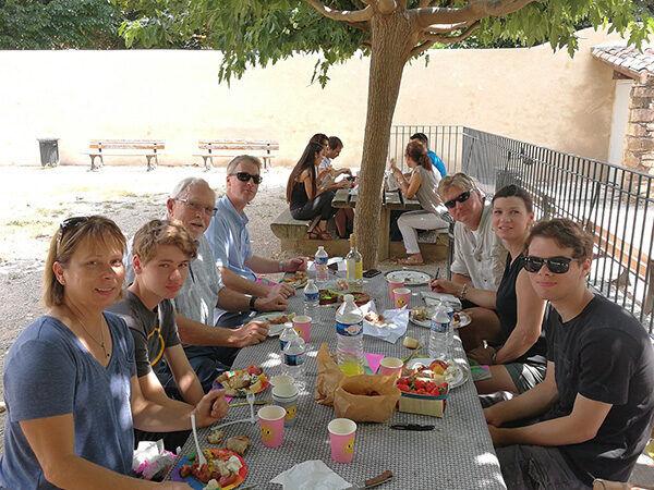 Picknick in einem Park in Aix en Provence